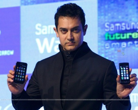 Aamir Khan At The Launch Of Samsung Mobiles In New Delhi