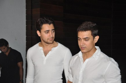 Osw Zed Cqjd Aamir Khan With Nephew Imran Khan At House Warming Party Of Imran Khan In Mumbai  And Imran Khan