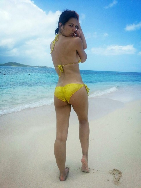 Adrianne Curry Bikini Yellow Beach Beach