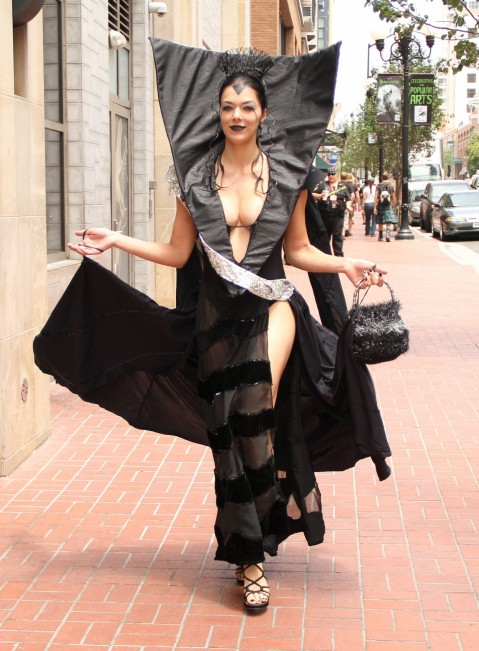 Adrianne Curry Cleavage Lily From Legend Cosplay Comic Con Adrianne Curry
