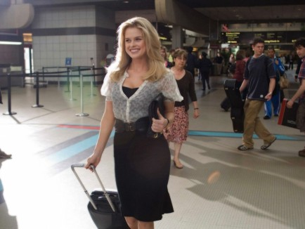 Alice Eve At Airport Wallpapers Alice Eve