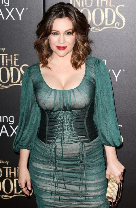 Alyssa Milano Into The Woods Premiere In New Yortk City Alyssa Milano