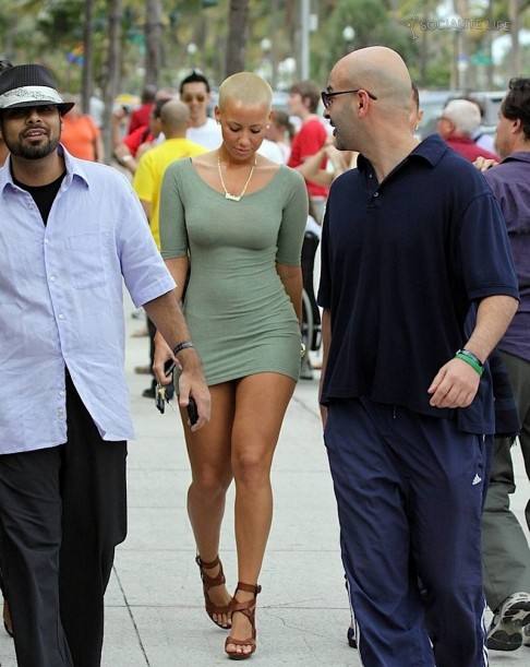 Gallery Enlarged Amber Rose South Beach Walk Photos Beach
