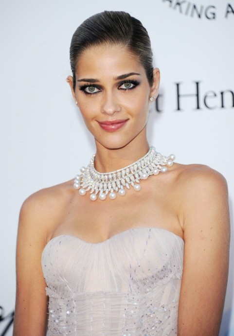 Ana Beatriz Barros Ana Beatriz Barros