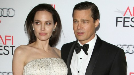 Brad Pitts Chance To See His Kids On Christmas Made Angelina Jolie Really Mad Angelina Jolie