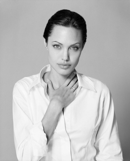 Photos And Wallpapers Angelina Jolie