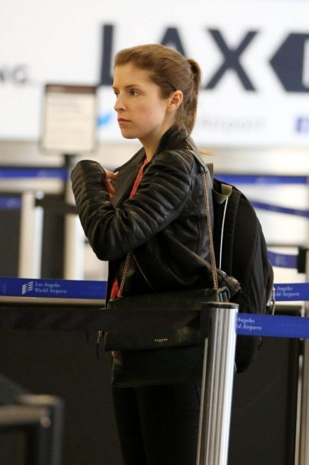 Anna Kendrick Arrives At The Departure Of Lax Internetional Airport In Los Angeles