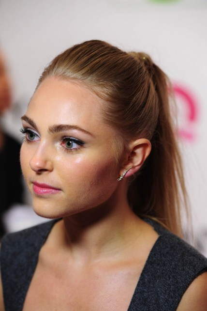 Annasophia Robb Attend The Qvc Presents Ffany Shoes On Sale In Nyc