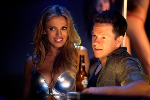 Still Of Mark Wahlberg And Bar Paly In Trage Tare Si Te Scoti