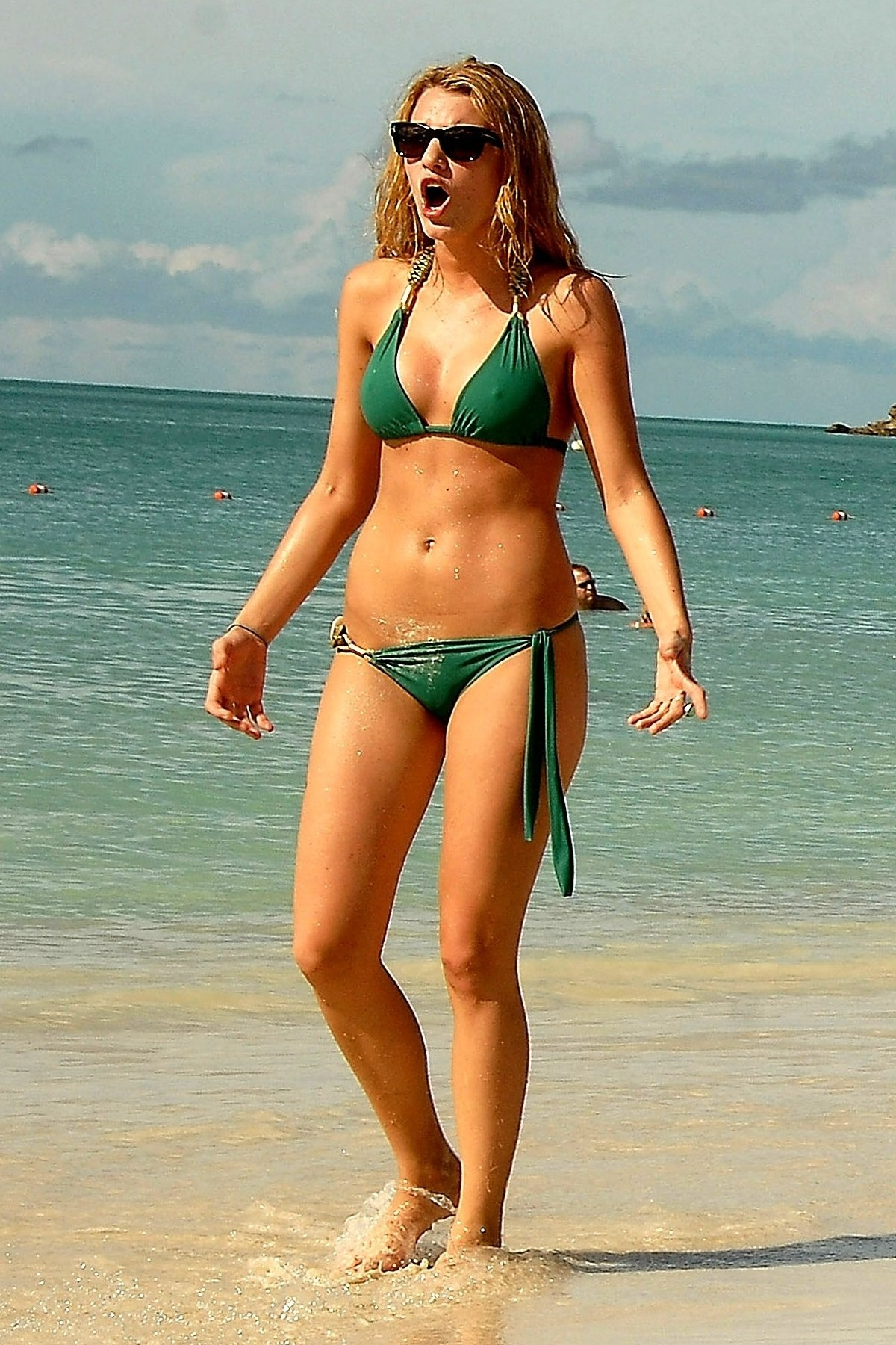 Blake Lively Bikini Pictures With Maria Menounos Copy Hot