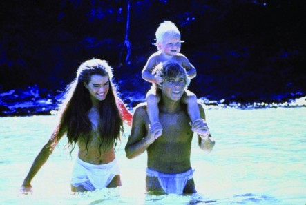 Still Of Brooke Shields And Christopher Atkins In The Blue Lagoon Blue Lagoon