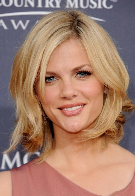Layered Medium Length Hairstyle For Fine Hair Shoulder Length Layered Hairstyles Brooklyn Decker Layered Brooklyn Decker