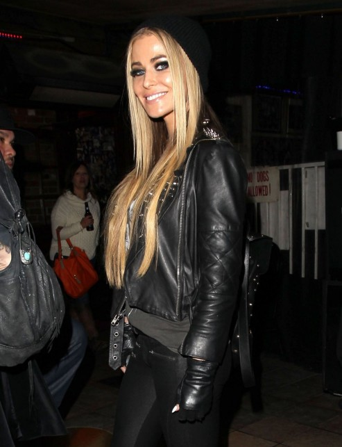 Carmen Electra Leave The Rainbow Room In Los Angeles