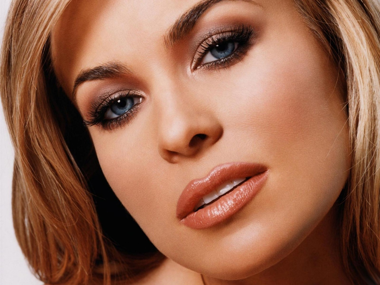 Carmen Electra Wallpaper Closeup