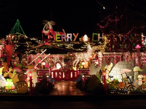 Celebrity Homes Decorated For Christmas Celebrity Homes