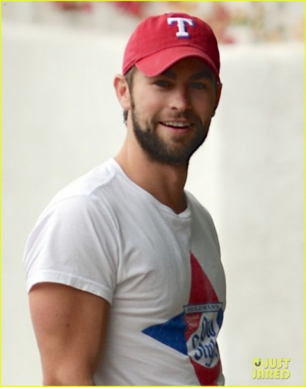 Chace Crawford Bulging Biceps In Studio City Chace Crawford