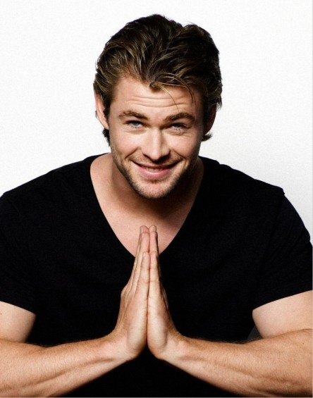 Chris Hemsworth Wallpaper Desktop Wallpaper