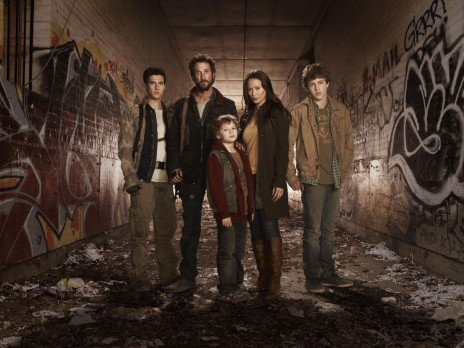 Picture Of Noah Wyle Moon Bloodgood Drew Roy Maxim Knight And Connor Jessup In Falling Skies Large Picture