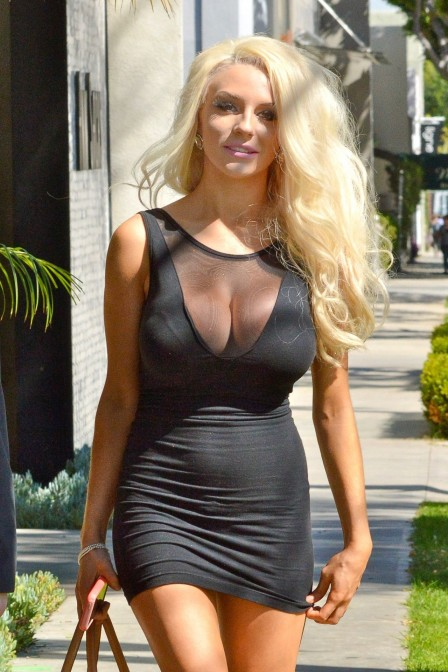 Courtney Stodden In Mini Dress Signs Up For Celeb Charm School March Courtney Stodden