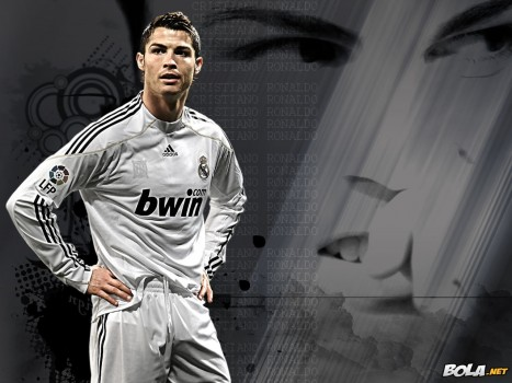 Cr Cristiano Ronaldo Real Madrid Wallpaper Wallpaper