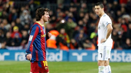 Cristiano Ronaldo Vs Lionel Messi Wallpaper
