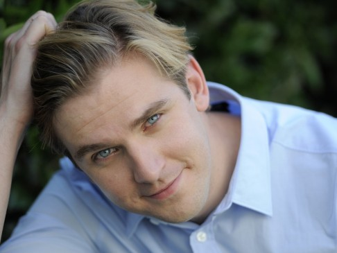 Dan Stevens Closeup Wallpaper Normal Wallpaper