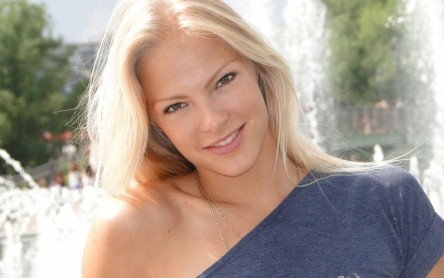 Darya Klishina Smile Wallpaper Hd Wallpapers Darya Klishina