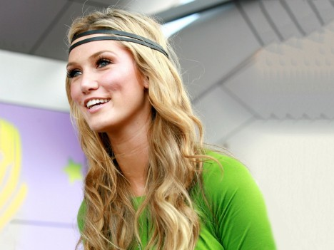 Delta Goodrem Blond Smile