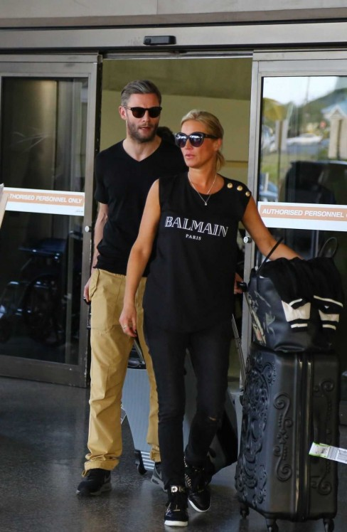 Denise Van Outen At Airport In Barbados Denise Van Outen