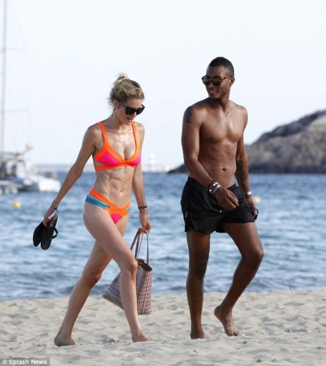 Doutzen Kroes Hot In Bikini In Ibiza Doutzen Kroes