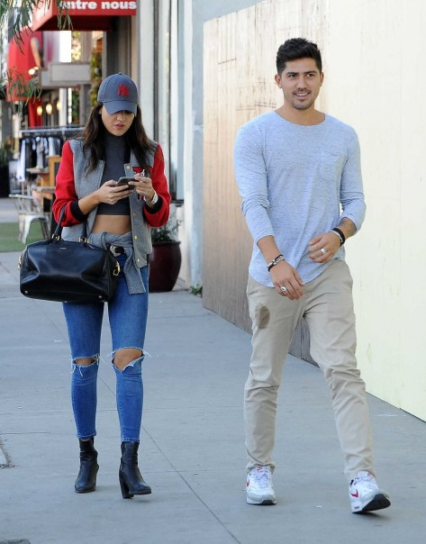 Eiza Gonzalez Was Seen With Friend Out In Los Angeles Eiza Gonzalez