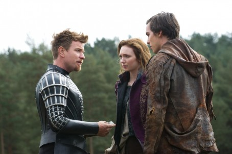 Picture Of Ewan Mcgregor Nicholas Hoult And Eleanor Tomlinson In Jack Si Uriasii Large Picture