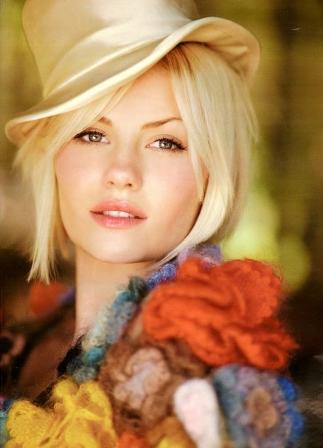 Elisha Cuthbert Hollywood Actress