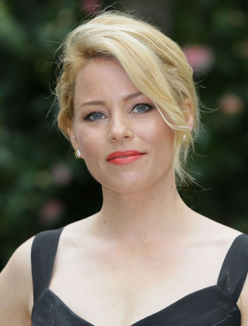 Elizabeth Banks At Pitch Perfect Photocall In Rome Elizabeth Banks