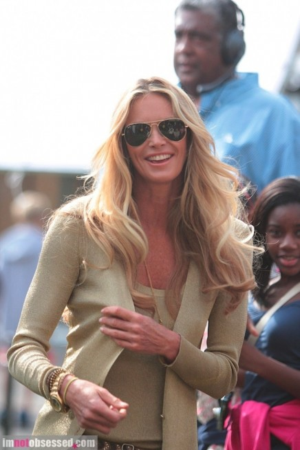 Elle Macpherson Stops By The Grove