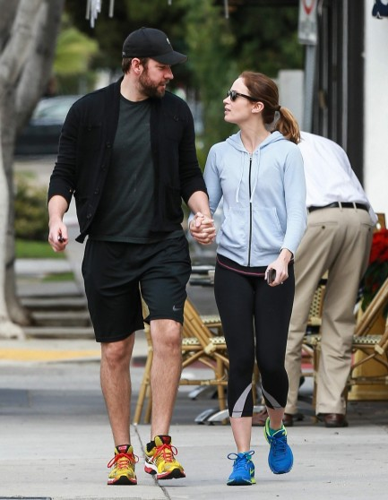 Emily Blunt Grabs Lunch At Le Conversation After Their Workout At The Gym December