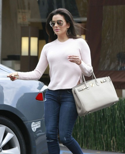 Eva Longoria Went For Shops With Pals In Cosy Sweatpants In Studio City Hair