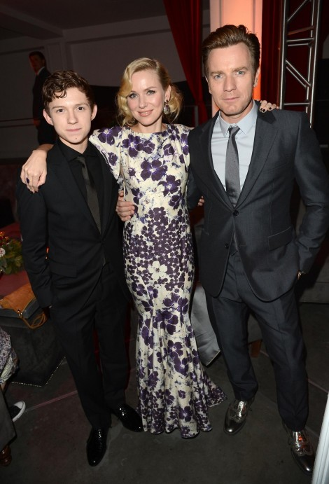 Ewan Mcgregor Naomi Watts And Tom Holland At Event Of Paradisul Spulberat Large Picture Family