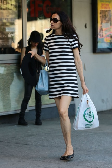 Famke Janssen Street Style Out In Soho New York May Famke Janssen