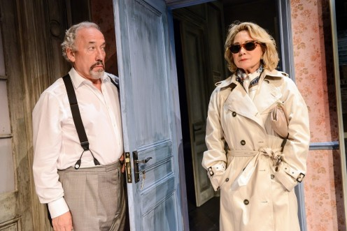 Chin Chin Simon Callow As Cesareo Grimaldi And Felicity Kendal As Pamela Pusey Picq Credit Robert Day