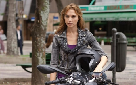 Wonder Woman To Be Played By Fast Furious Star Gal Gadot Wallpapers Gal Gadot