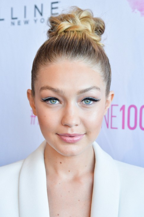 Gigi Hadid Eyeliner Maybelline Double White Main Background