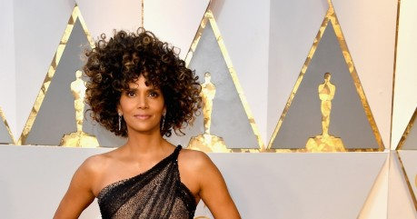 Social Halle Berry Halle Berry