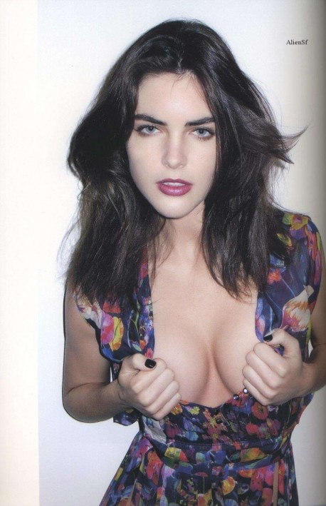 Hilary Rhoda Showing His Cleavage Photo Hilary Rhoda