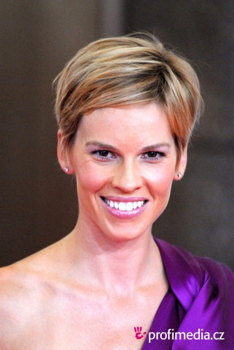 Lovely Hilary Swank Hairstyles For Your Hairstyle Decorating Ideas With Hilary Swank Hairstyles Hilary Swank