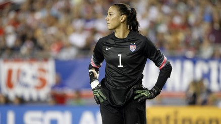 Hope Solo In Black Kit Hd Wallpapers Hope Solo