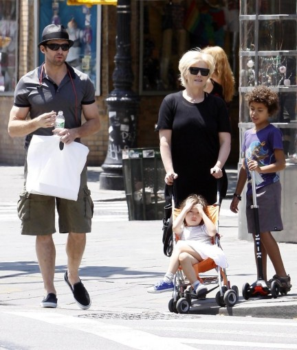 Hugh Jackman Family Out New York Aihfhge Ekkx Wife And Kids