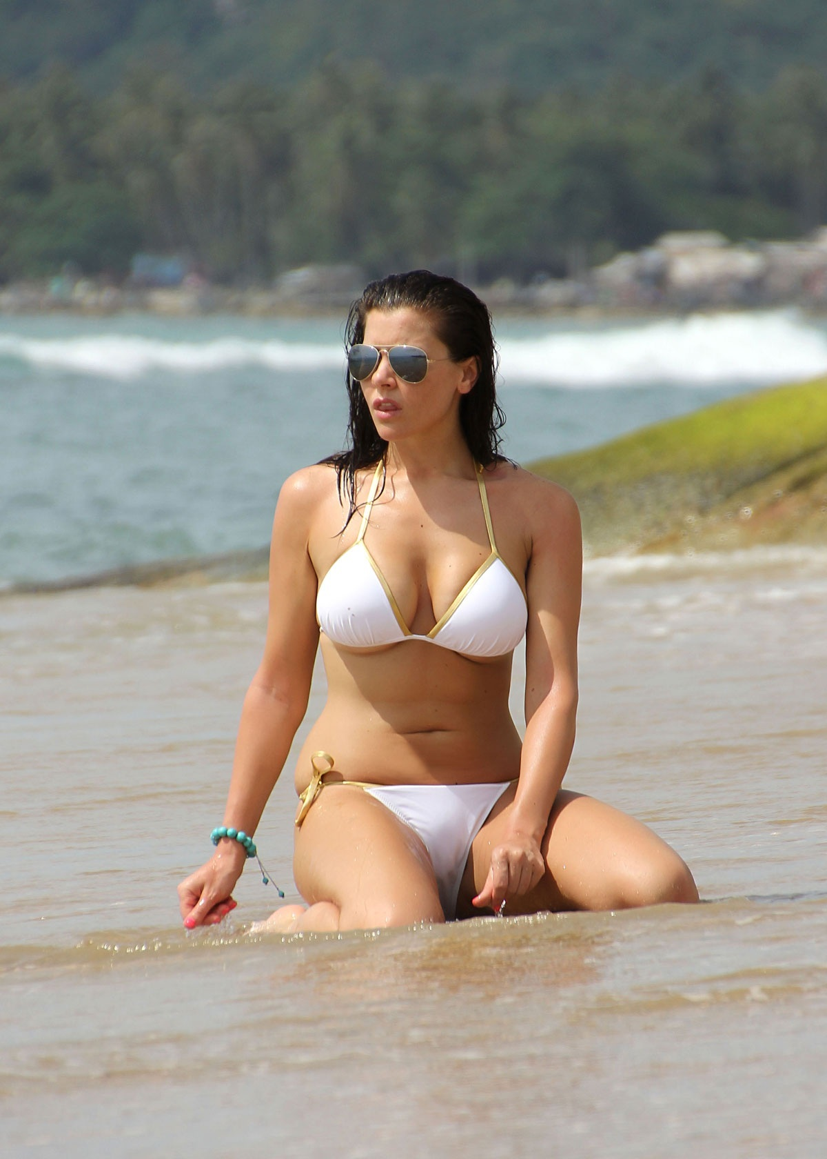 Imogen Thomas Bikini Candids At Koh Samiu In Thailand