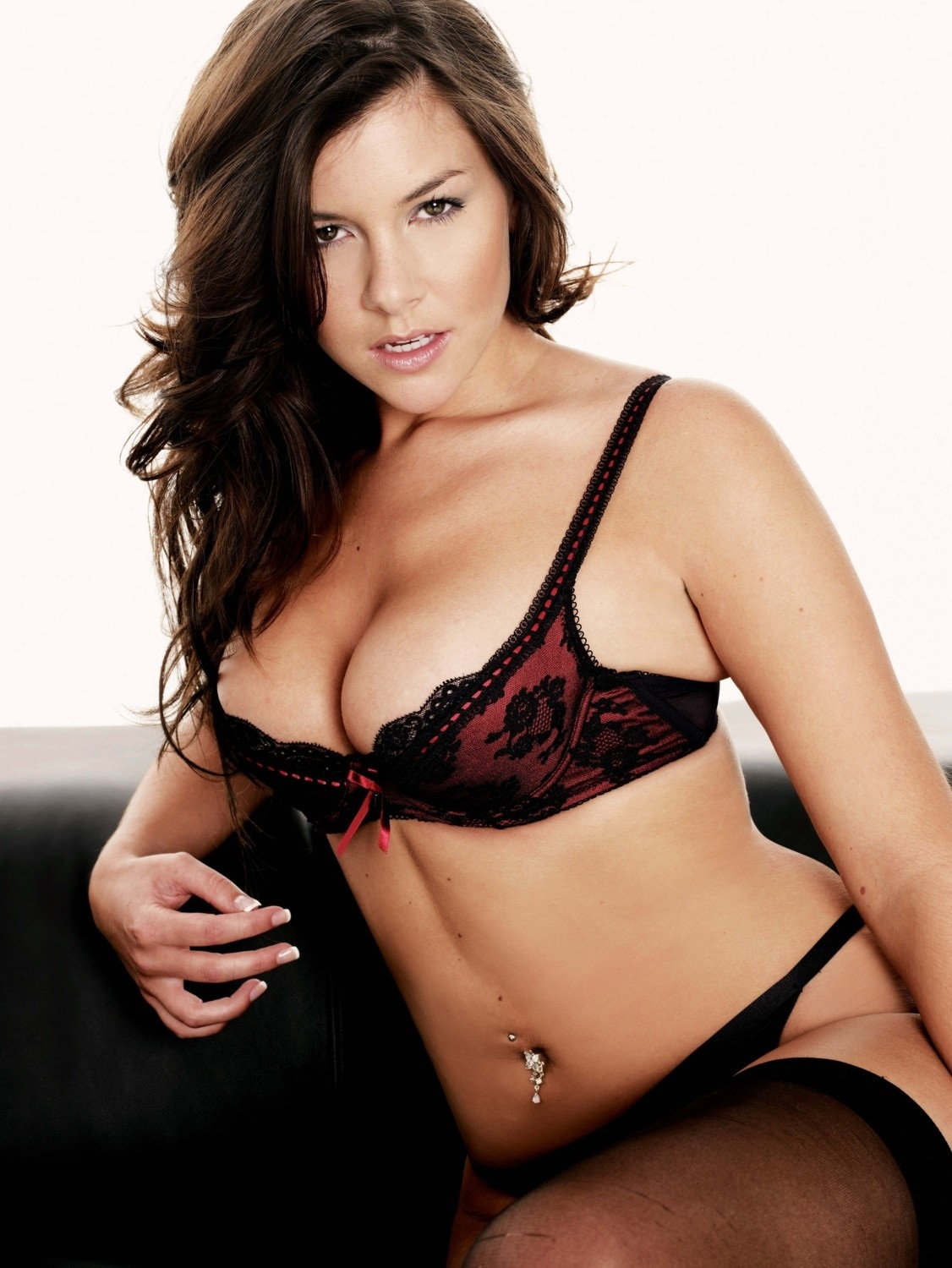 Imogen Thomas Height Weight Age Bra Size Affairs Body Stats Bollywoodfox Imogen Thomas