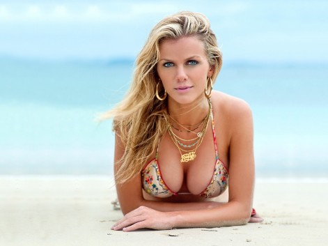Brooklyn Decker Tits Bnaked Bsexy In Beach